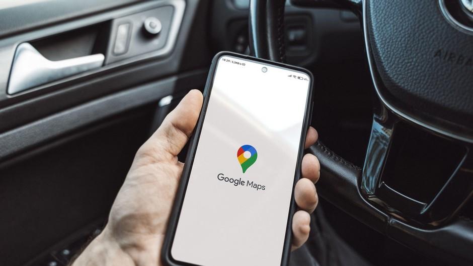 Na Googlovi aplikaciji Zemljevid voznikom na izbiro poti z najmanjšimi izpusti (foto: profimedia)