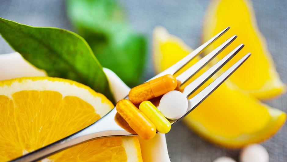 Strokovnjaki predlagajo, da priporočeni dnevni vnos vitamina C podvojimo - v katerih živilih se skriva? (foto: Profimedia)