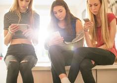 Zdravniki so zaskrbljeni: je TikTok kriv za epidemijo tikov in kompulzivnega govora pri najstnicah?