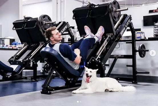 Ta teden na Instagramu: Luka Dončić z novim fitnes prijateljem, Janja Garnbret z dokumentarcem in Alya z vročo obleko