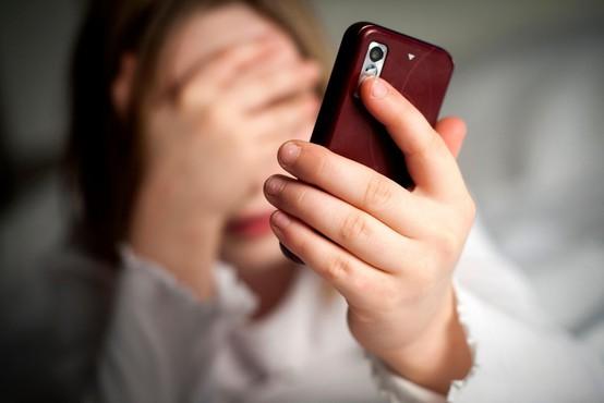 Facebook bo odslej BRISAL neželene vsebine tudi iz komentarjev in zasebnih sporočil!